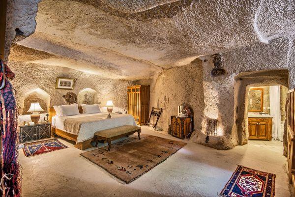 Oriental Cave