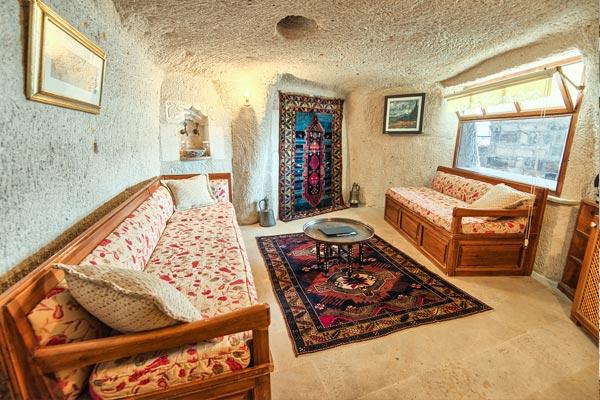Eftelya Cave Suite
